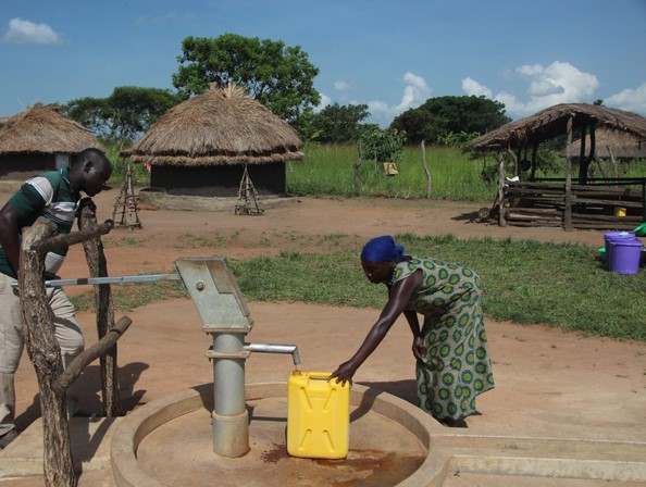 Protected dug well (apron and drainage) in Gulu (Uganda). ERICKSON (n.y.)