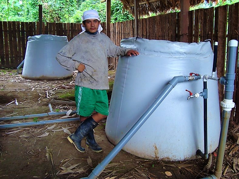 Simple small-scale slow sand filter made out of plastic. Source: GLOBAL GIVING (2011)