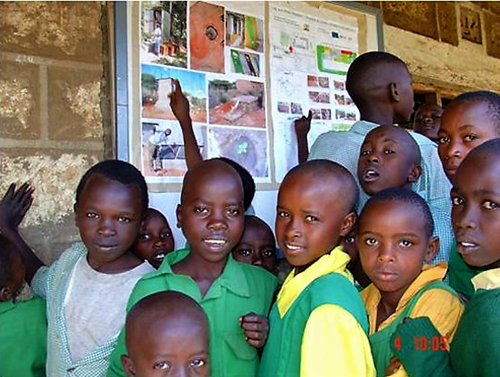 Ecological sanitation (Ecosan) education at Plant Kaurine Primary School (Maua District) in 2009. Source: GTZ (2009)