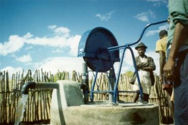 Madagascar type rope pump. Source: BAUMANN (2011)