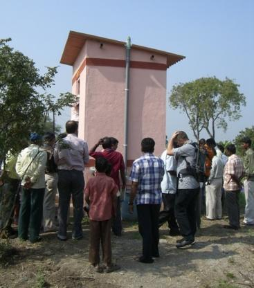 A fieldtrip to a urine diversion project site in India helps people understand how these toilets work in practice (Source: CONRADIN 2009)