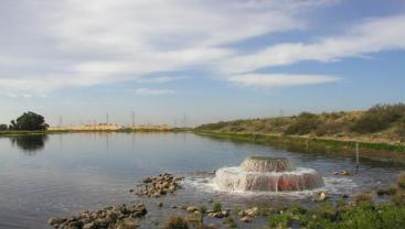 Reclaimed water flowing into a percolation or recharge pond. Source: LOFTUS (2011)