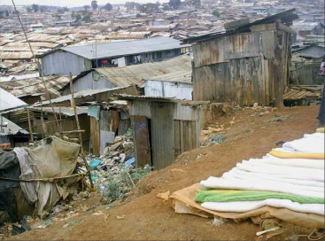 An informal settlement in Kibera, Kenya, where centralised water supply is impossible due to population growth, lack of resources, and unsupportive legal framework. Source: UNHABITAT and GWA (n.y.).