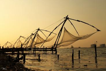 Chinese fishing nets of Kochi. Source: ZEROXZERO (2011)